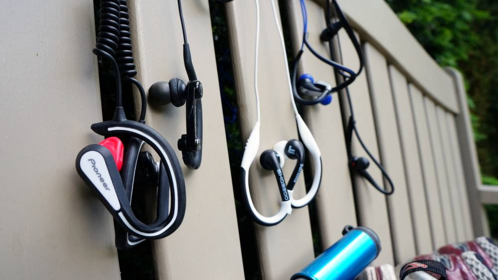 10 อันดับ หูฟังออกกำลังกาย ยี่ห้อไหนดี ที่คุณควรเลือกซื้อ