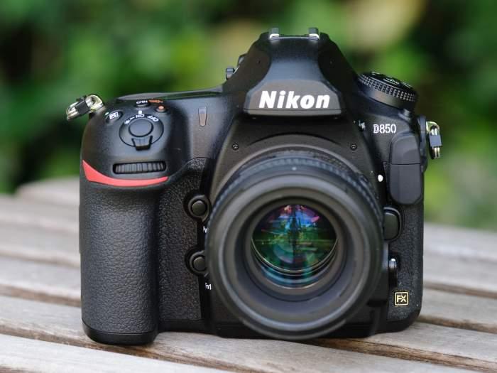 NIKON D850 SLR camera