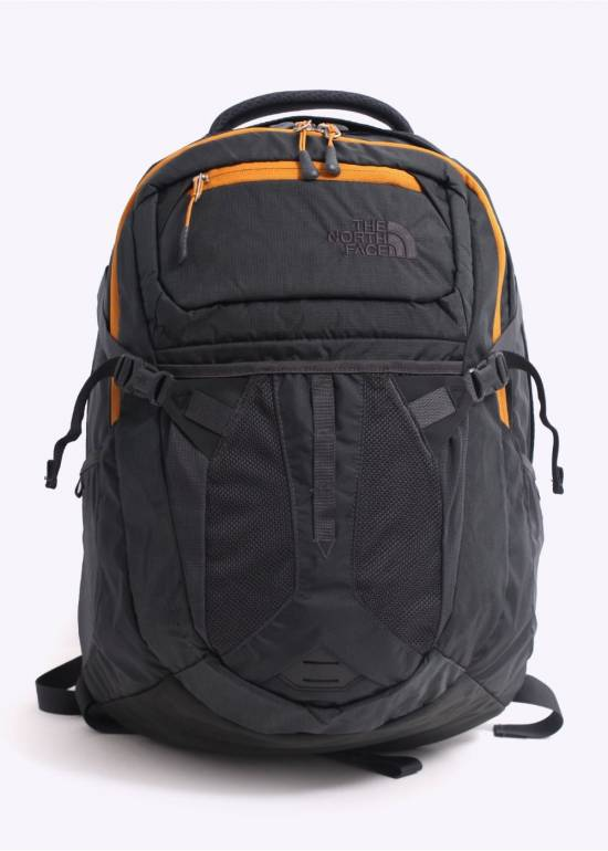 The North Face รุ่น Recon