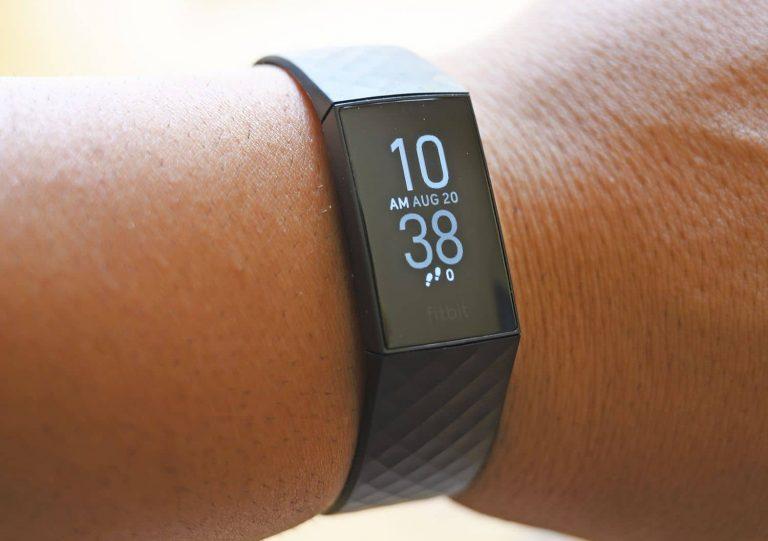 Fitbit Charge 4 จังหวะการเต้นของหัวใจ
