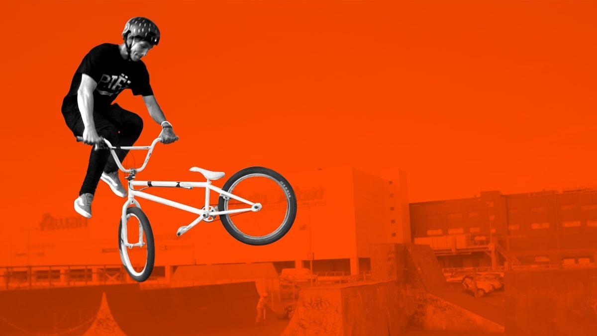 เหวี่ยงจักรยาน 180 องศา